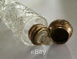 Beautiful Victorian cut glass scent bottle vinaigrette