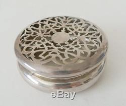 LOVELY Antique WILLIAM COMYNS Hallmarked Sterling Silver Victorian Potpourri Box