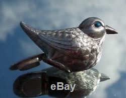 Lovely Victorian Solid Silver Novelty Bird Hinged Snuff Box Blue Enamel Eyes