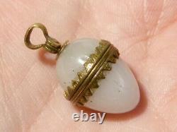 Antique 19ème C Argent Monté Chalcédoine Ouverture Miniature Egg Charm #t508
