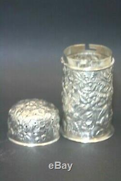 Antique En Argent Sterling Repousse Muffineer Poudre De Sucre En Poudre A Jacobi & Co