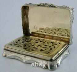 Belle Anglaise Nathaniel Mills Sterling Silver Vinaigrette Antique 1849 Rare