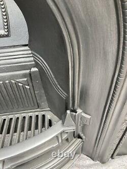 Cheminée En Fonte / Entourage Du Feu / Insert / Style Victorien / Carburant Solide