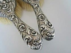 Paire Victorian Crested Silver Hair Brushes, Londres 1893