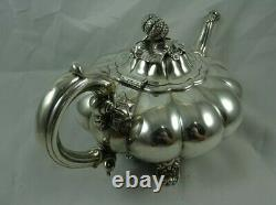 Qualité `melon` En Forme De Victorian Argent Massif Tea Pot, 1859, 733gr