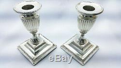 Solide Victorian Paire D'argent Sterling De Chandeliers En Forme D'urne Néoclassique