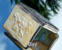 Superbe Rare Victorienne Sculpté Putti Gathering Raisins En Argent Massif Tabatière