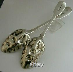 Victoriel Victorien English Sterling Silver Berry Serving Spoons 1838 Antique 150g